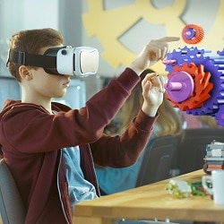 Virtuelles Klassenzimmer mit Augmented Reality