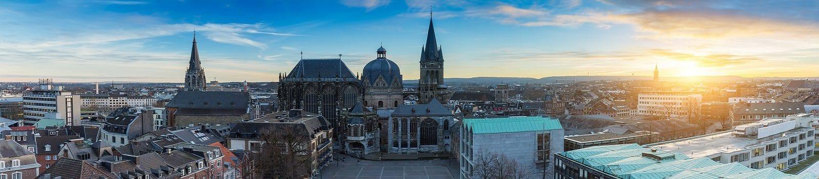 Blick über die Städteregion Aachen mit Innenstadt und Dom