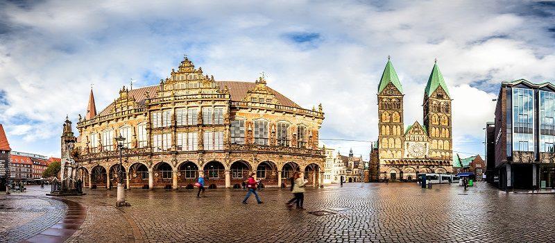 Stadtpanorama der Nordmetropole Bremen mit Innenstadt